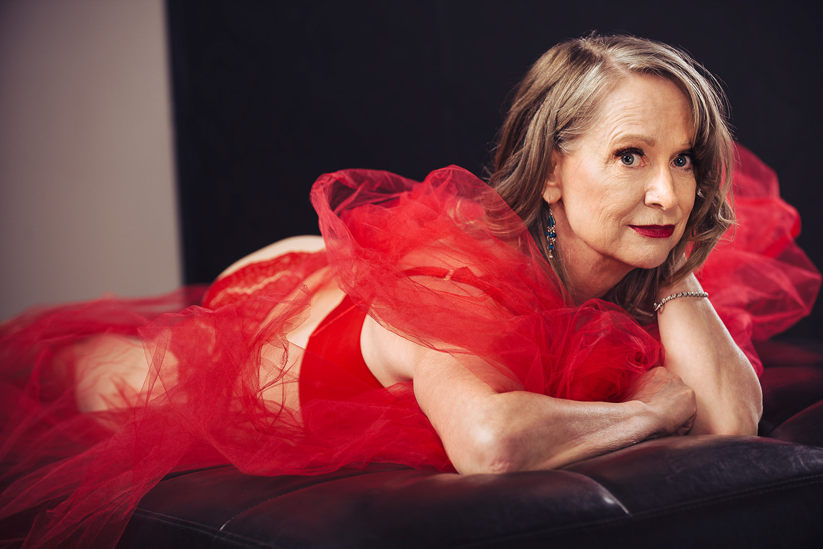 Smudge-Smoulder-Makeup-Artist-Calgary-YYC-Banff-Canmore-Beauty-Weddings-bridal-boudoir